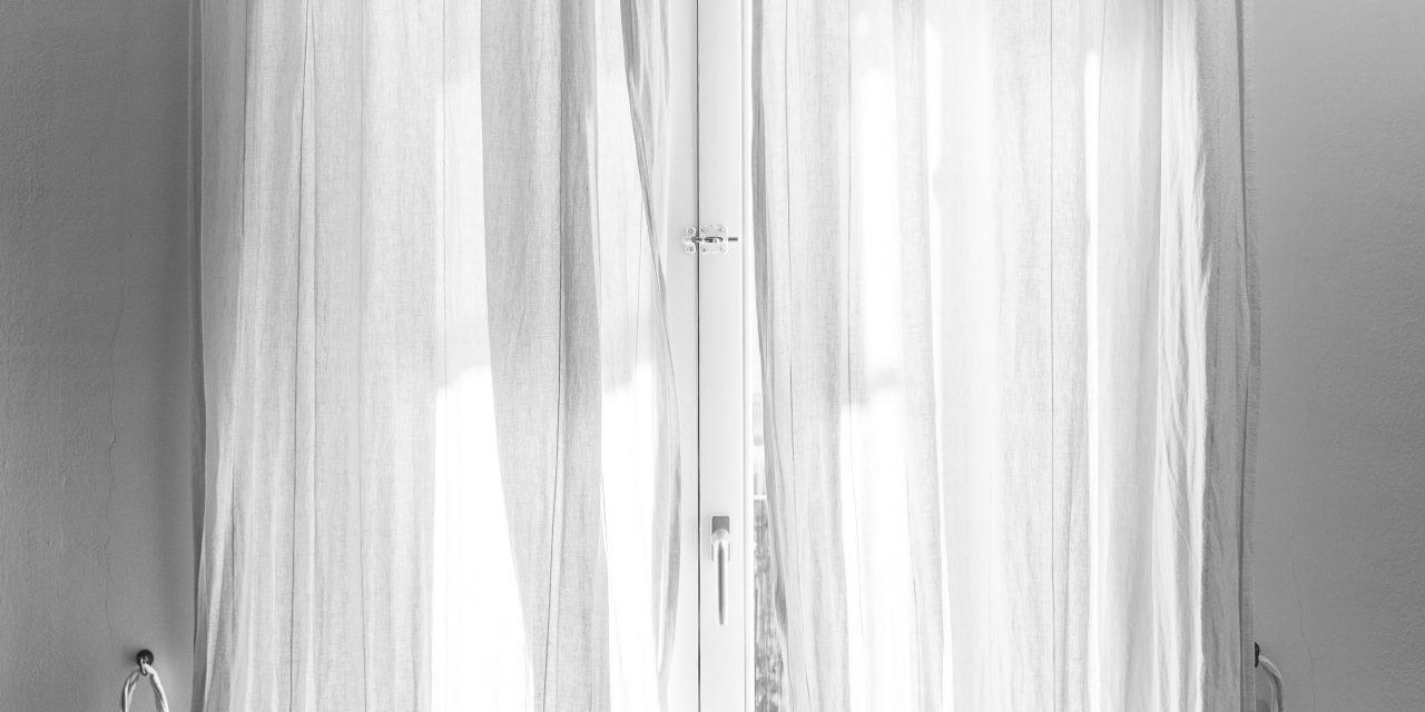 Find de bedste tilbud på gardiner hos gardinbussen